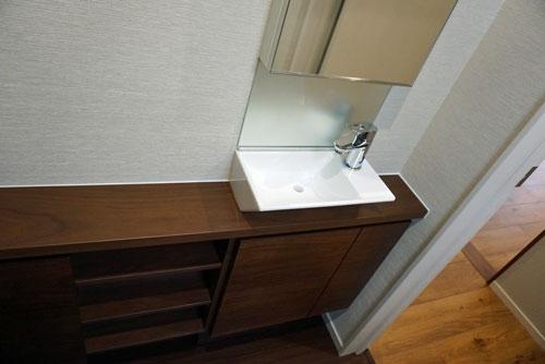 住友林業トイレ TOTO手洗い